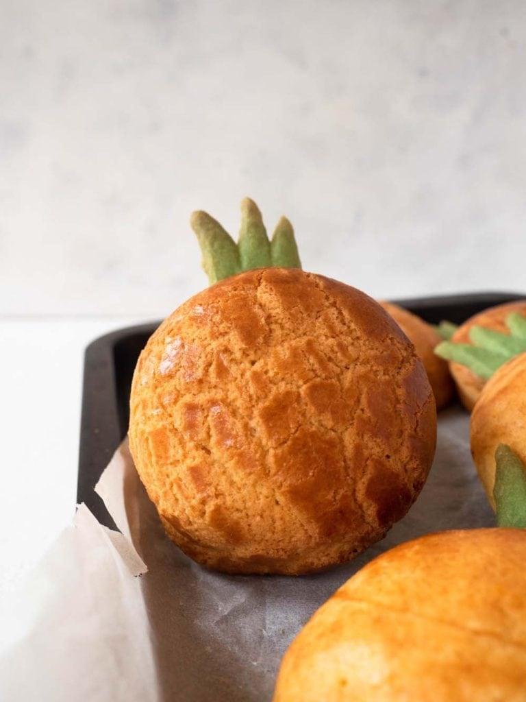 Pineapple buns po lo bao