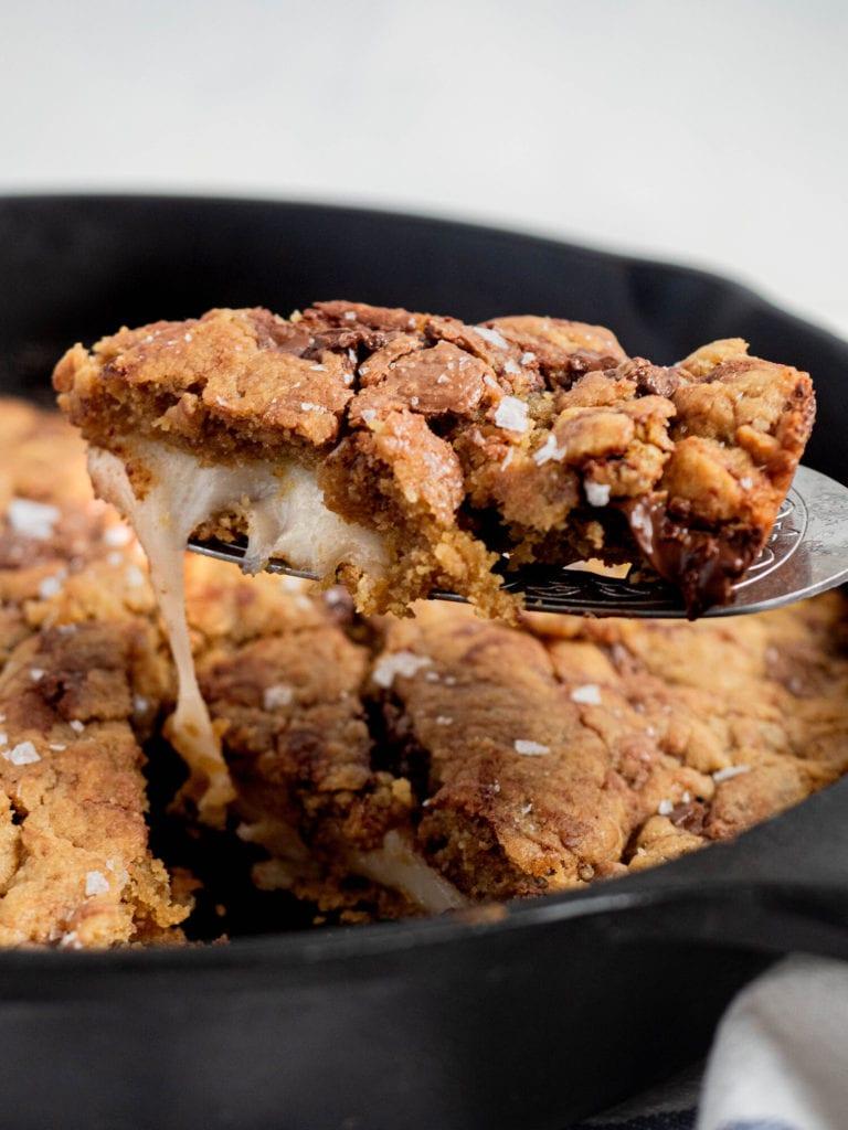 choc chip mochi skillet cookie