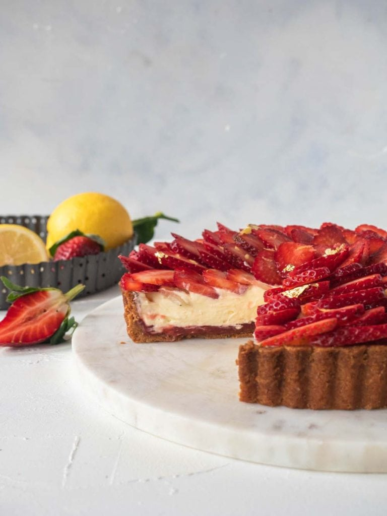 Rhubarb and Strawberry Cream Cheese Tart