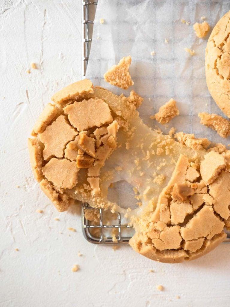 Peanut butter mochi cookies