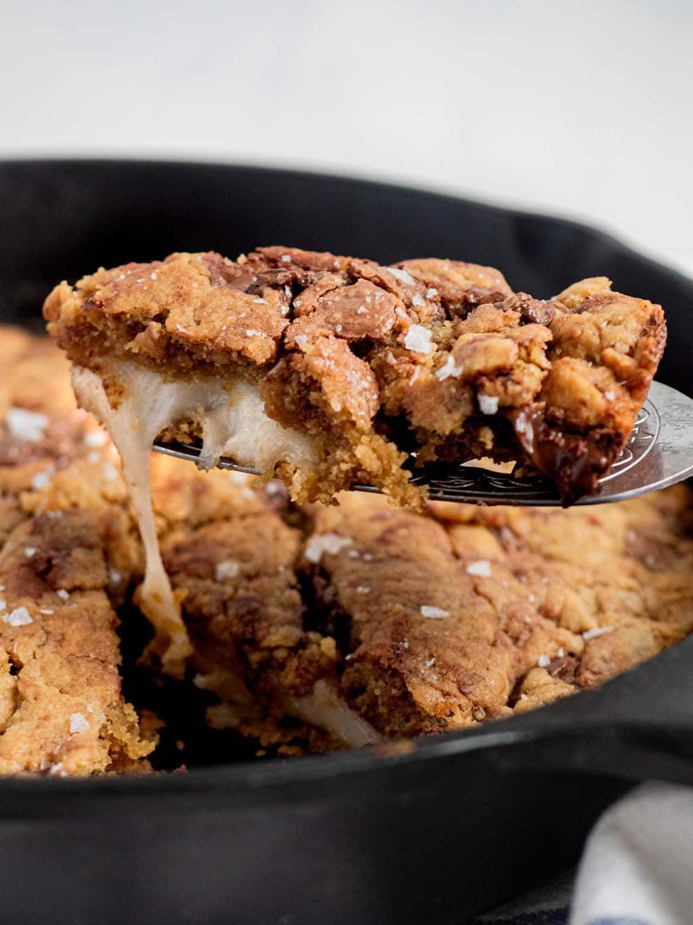 chocolate chip mochi skillet cookie