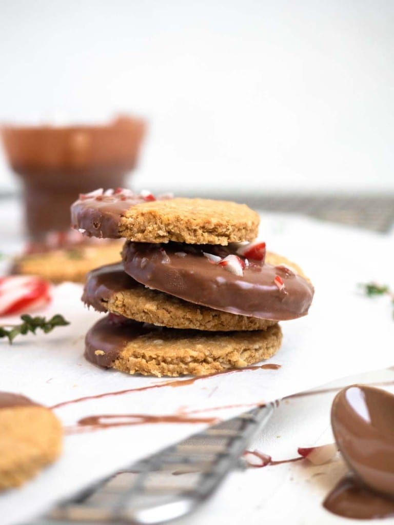 Mint chocolate digestive cookies