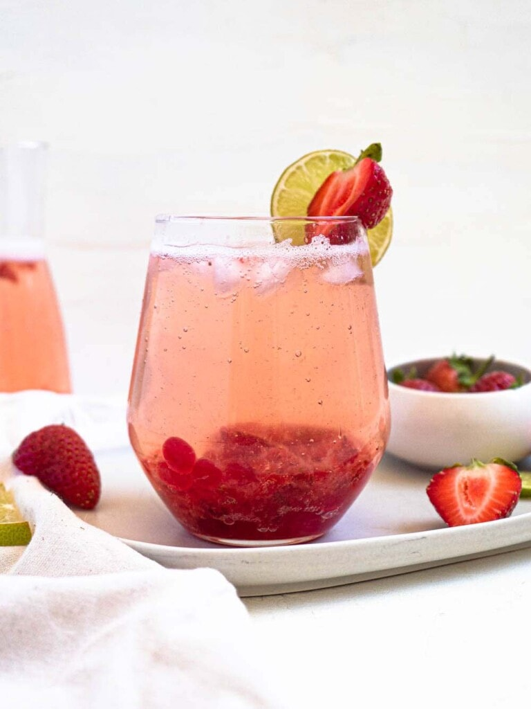 Strawberry and lime sparking boba