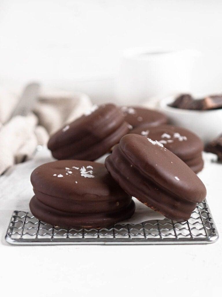 Vanilla bean Marshmallow sandwiches coated in dark chocolate choco pie moon pie wagon wheel