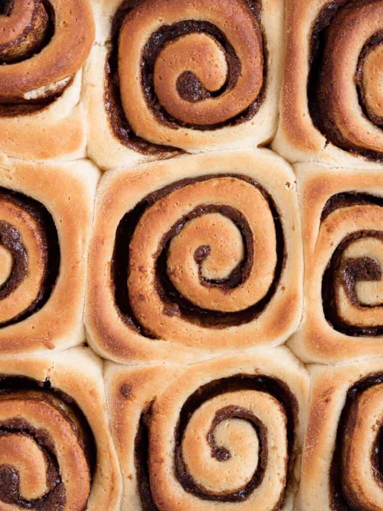 Soft and fluffy easy homemade cinnamon rolls